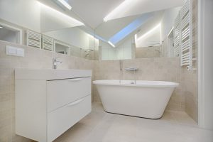 dobry salon z łazienkami